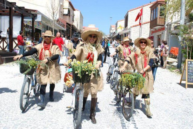 İzmir alaçatı ot festivali ne zaman