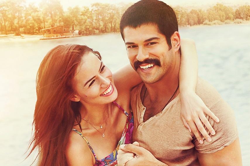 3-Adam-11-Şubat-2015-Aşk-Sana-Benzer-filmi