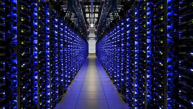 Facebook Serverları